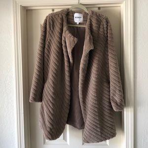 NWOT BB Dakota jacket